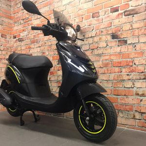 Piaggio ZiP 4T iGet Euro 4 custom carbon edition